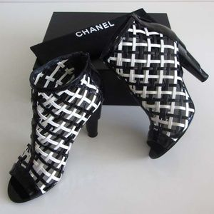 new CHANEL CC logo patent caged booties 41 / 11 US